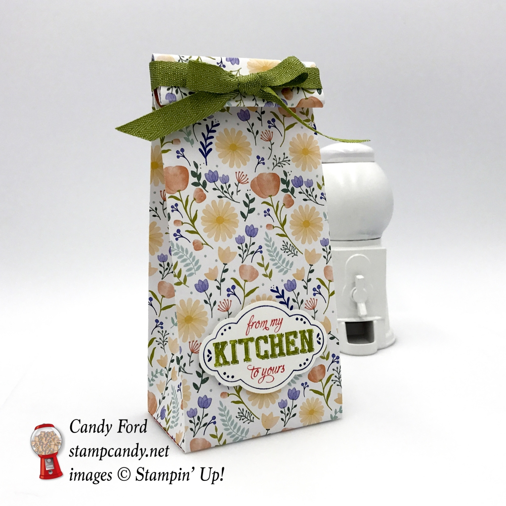 Make this quick and easy gift bag to give some yummy goodies in. I used the Label Me Pretty stamp set, Pretty Label Punch, and Delightful Daisy DSP by Stampin' Up! #stampcandy