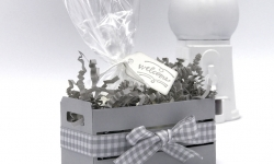 """What a sweet little welcome basket made with the Wood Words bundle stamp set, Wood Crate Framelits, 3x6 Gusseted Cellophane Bag, and Smoky Slate 1/2"""" Gingham Ribbon by Stampin' Up! #stampcandy"""