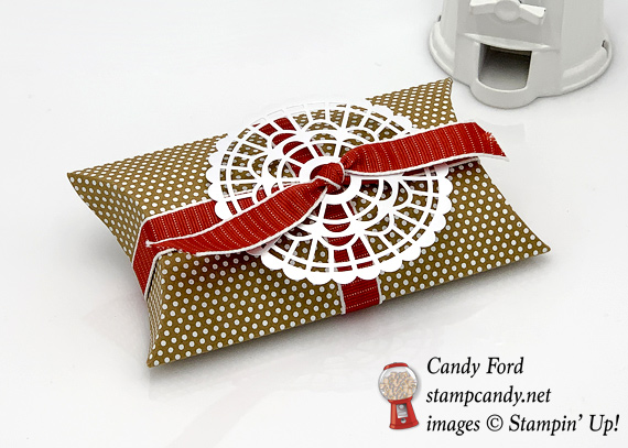 Stampin' Up! Kraft Pillow box with Pearlized Doily and Poppy Parade textured ribbon by Candy Ford of Stamp Candy